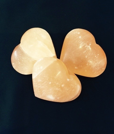 Selenite Heart - Large (peach)